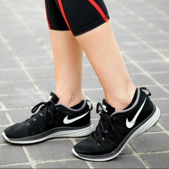 best website 6dffc a3237 Nike Flyknit Lunar 2 women s Sz 8. M 5ac0acff2c705d848b7a2597